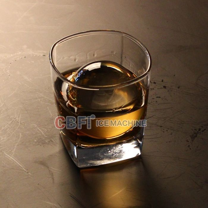 High Grade Round Ball Ice Maker For Bar With Whiskey 100% Transparent